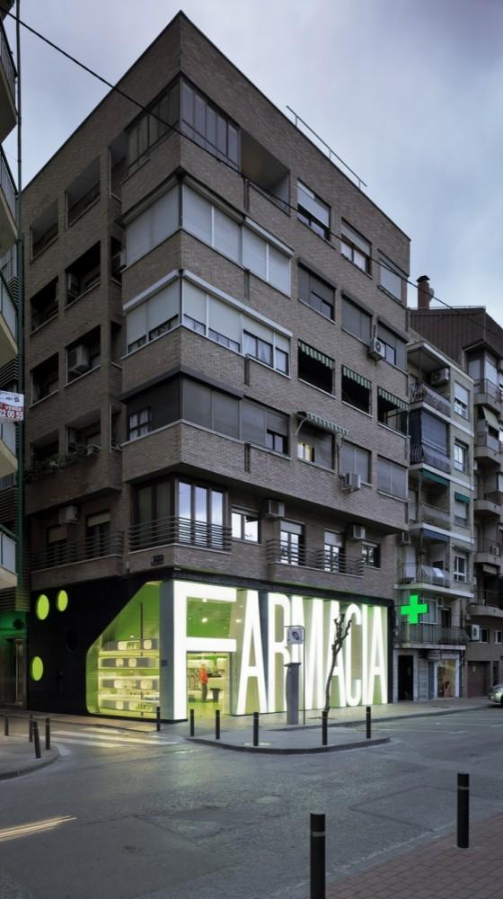Renovando la farmacia vishop magazinevishop magazine - Clavel arquitectos ...