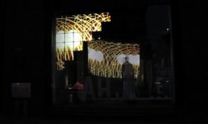 Awake-vishopmag-escaparate-stockmann-tienda-helsinki
