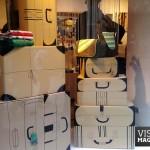 escaparate-escaparatismo-skunkfunk-carton-maletas-visualmerchandising-vishopmag2