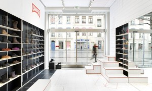 retail design camper lyon visual merchandising vishopmag