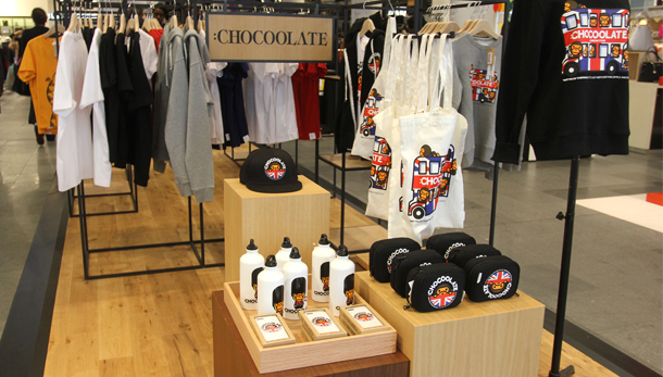 revista-magazine-retail-desing-escaparatismo-visual-merchandising-design-mannequin-selfridges-it-vishopmag-04