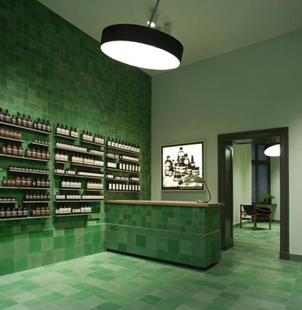 revista-magazine-retail-desing-escaparatismo-visual-merchandising-design-mannequin-aesop-vishopmag-02