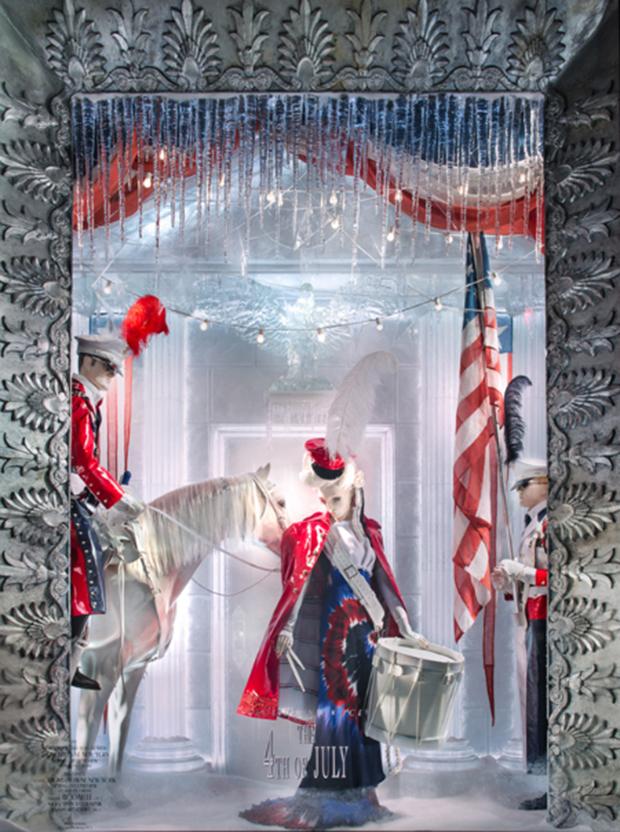 revista-magazine-retail-desing-escaparatismo-visual-merchandising-design-mannequin-berdorf-goodman-christmas-vishopmag-03