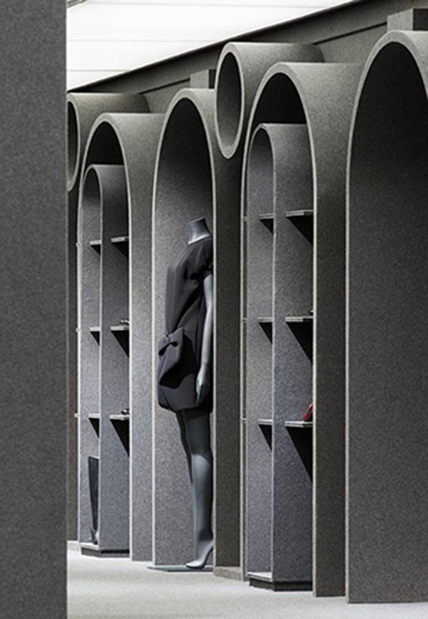 revista-magazine-retail-desing-escaparatismo-visual-merchandising-design-mannequin-Viktor&Rolf-vishopmag-03
