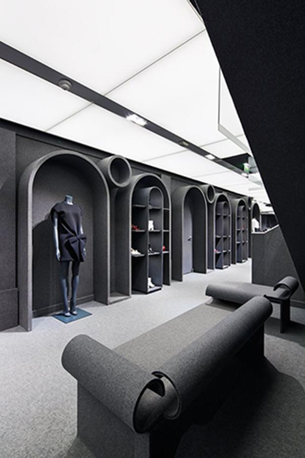 revista-magazine-retail-desing-escaparatismo-visual-merchandising-design-mannequin-Viktor&Rolf-vishopmag-04