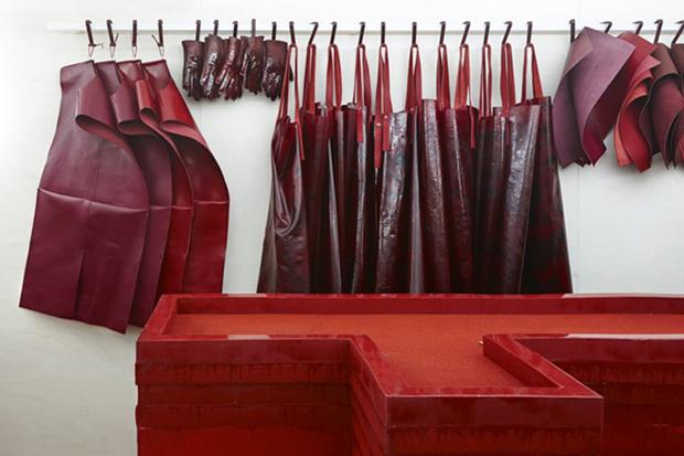 revista-magazine-retail-desing-escaparatismo-visual-merchandising-design-mannequin-studio-toogood-installation-hermes-vishopmag-02