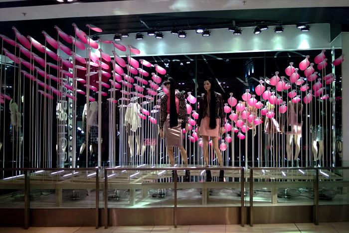 revista-magazine-retail-desing-escaparatismo-visual-merchandising-design-mannequin-topshop-regent-street-vishopmag-01
