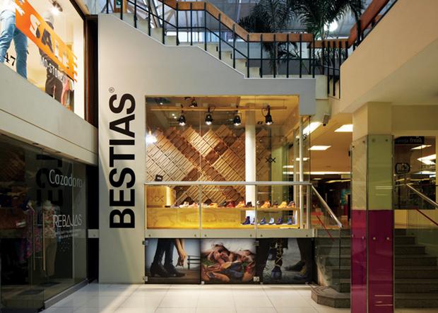 revista-magazine-retail-desing-escaparatismo-visual-merchandising-design-mannequin-bestias-vishopmag-01