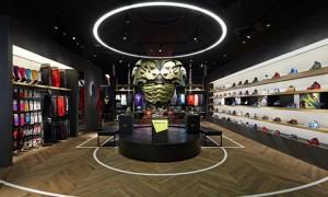 revista-magazine-retail-desing-escaparatismo-visual-merchandising-design-mannequin-camper-nikebasketball-vishopmag-01