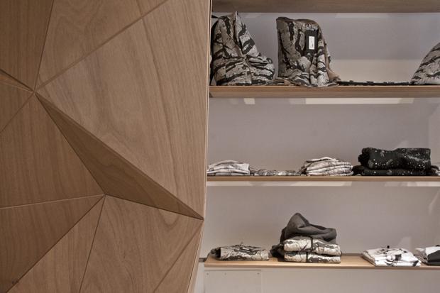 revista-magazine-retail-desing-escaparatismo-visual-merchandising-design-mannequin-iuter-milan-vishopmag-04