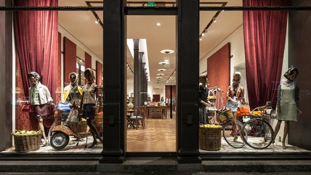 revista-magazine-retail-desing-escaparatismo-vishopmag-larosa-milano-fashion-week003