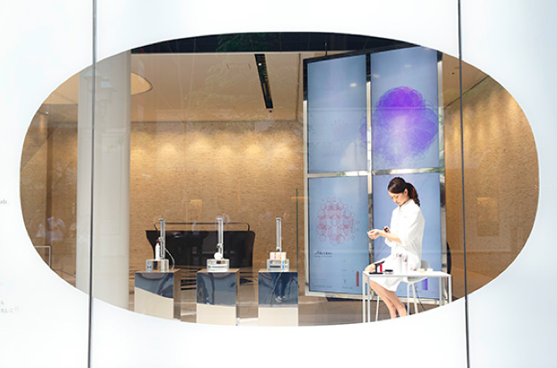 revista-magazine-retail-desing-escaparatismo-vishopmag-shiseido-takram001