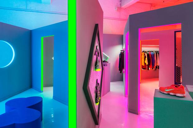 revista-magazine-retail-desing-escaparatismo-vishopmag-nike-robert-storey-studio-003