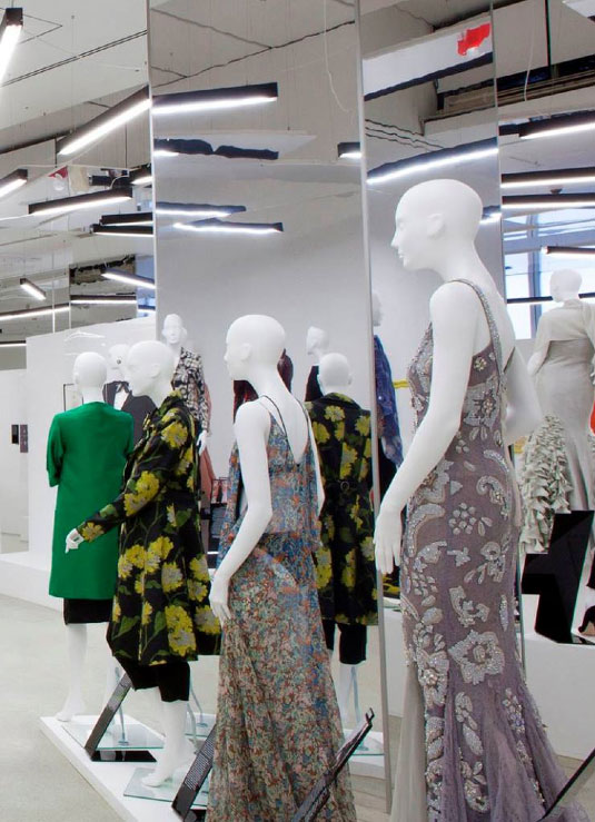 spazio-retail-women-fashion-power-maniquies-mannequins-vishopmag-006