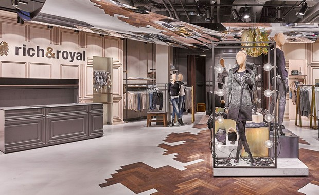 magazine-revista-visualmerchandising-retail-design-interiorism-window-display-rich&royal-vishopmag-002