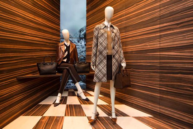 revista-magazine-visualmerchandising-escaparatismo-retail-design-prada-martino-gamper-vishopmag-001