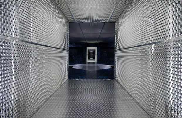 revista-magazine-visualmerchandising-escaparatismo-retail-design-hermes-window-displays-prada-vishopmag-003