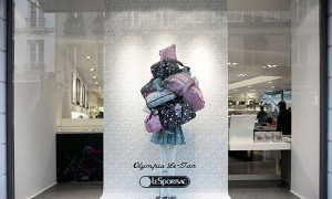 revista-magazine-visualmerchandising-escaparatismo-retail-design-window-display-LeSportsac_Olympia_Le-Tan-vishopmag001