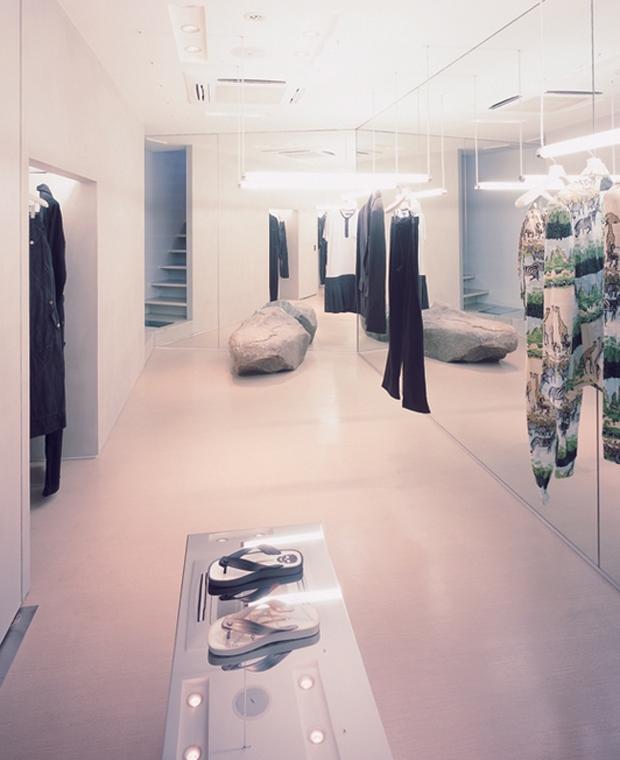 revista-magazine-visualmerchandising-escaparatismo-retail-design-window-display-alexandre-herchcovitch-vishopmag-007