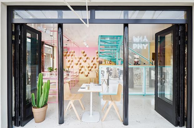 revista-magazine-visualmerchandising-escaparatismo-retail-design-descension-pny-hamburgueseria-paris-vishopmag-001