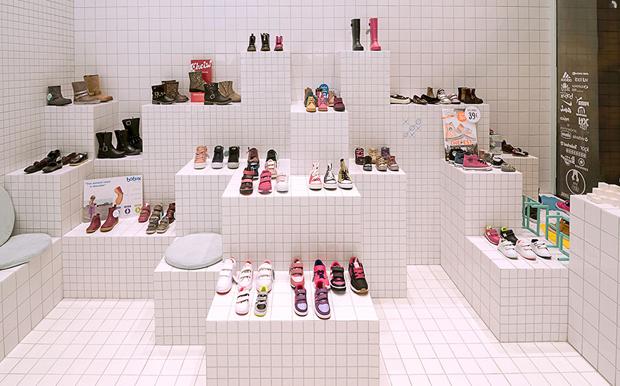 revista-magazine-visualmerchandising-escaparatismo-retail-design-flagship-store-little-shoes-nabito-vishopmag-002