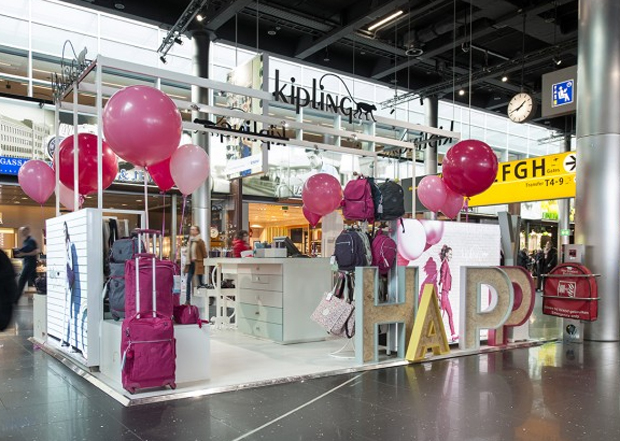 revista-magazine-visualmerchandising-escaparatismo-retail-design-kipling-vishopmag-002