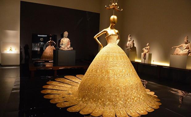 revista-magazine-visualmerchandising-escaparatismo-retail-design-met-china-exhibition-vishopmag-001