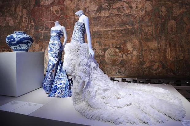 revista-magazine-visualmerchandising-escaparatismo-retail-design-met-china-exhibition-vishopmag-004