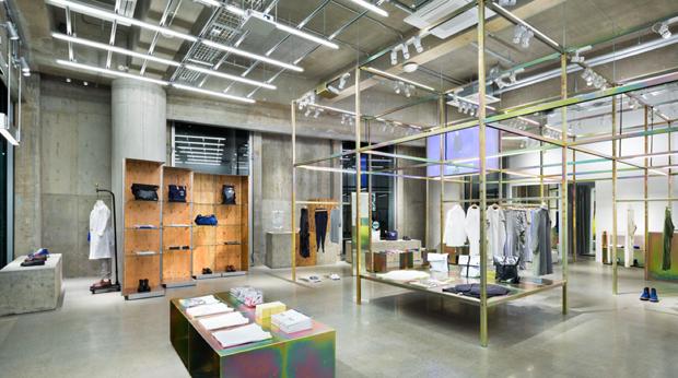 revista-magazine-visualmerchandising-escaparatismo-retail-design-store-CABANE-de-ZUCCa-vishopmag-002