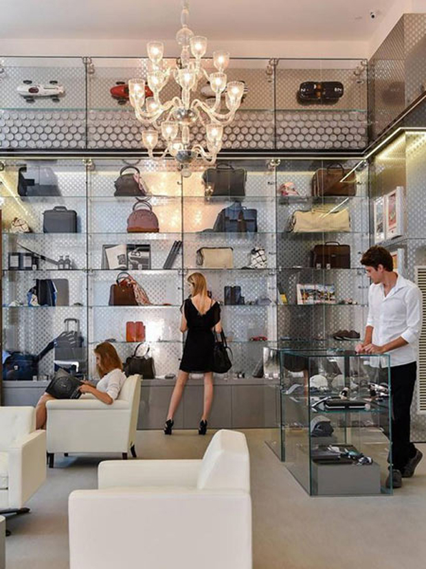 revista-magazine-visualmerchandising-escaparatismo-retail-design-concept-store-casamaserati-vishopmag-002