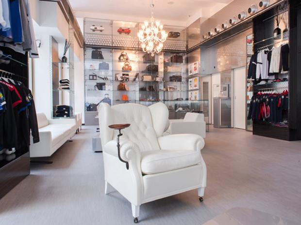 revista-magazine-visualmerchandising-escaparatismo-retail-design-concept-store-casamaserati-vishopmag-003