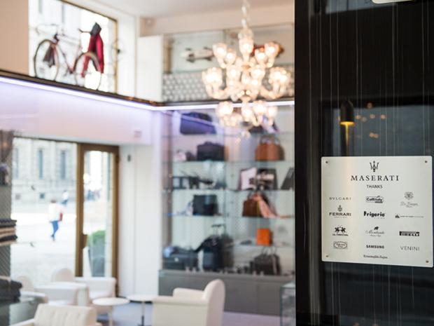 revista-magazine-visualmerchandising-escaparatismo-retail-design-concept-store-casamaserati-vishopmag-005