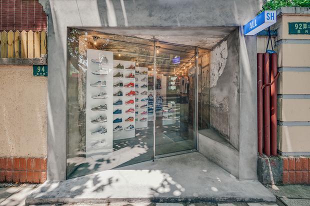 revista-magazine-visualmerchandising-escaparatismo-retail-design-linehouse-allsh-vishopmag-001