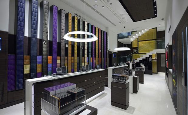 revista-magazine-visualmerchandising-escaparatismo-retail-design-nespresso-flagshipstore-vishopmag-001