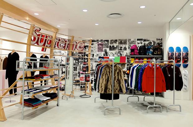revista-magazine-visualmerchandising-escaparatismo-retail-design-dover-street-market-ginza-vishopmag-002
