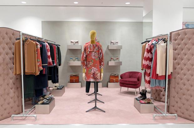 revista-magazine-visualmerchandising-escaparatismo-retail-design-dover-street-market-ginza-vishopmag-007