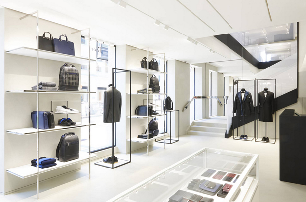 revista-magazine-visualmerchandising-escaparatismo-retail-pop-up-store-dior-homme-paris-vishopmag-001