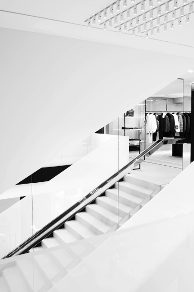 revista-magazine-visualmerchandising-escaparatismo-retail-pop-up-store-dior-homme-paris-vishopmag-006