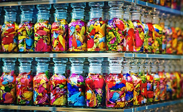 revista-magazine-visualmerchandising-escaparatismo-hangers-colette-azuma-makoto-flores-vishopmag-003