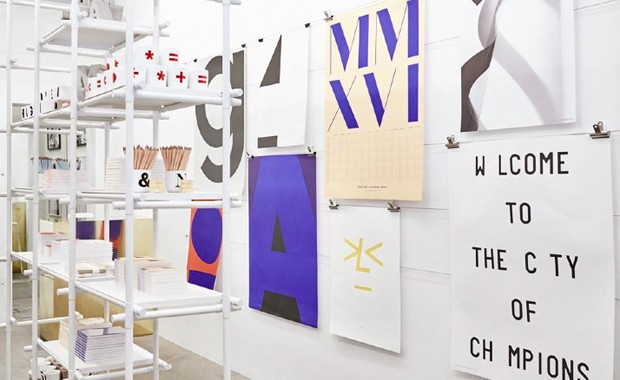 revista-magazine-escaparates-retail-design-aram-playtype-pop-up-store-londres-vishopmag-002