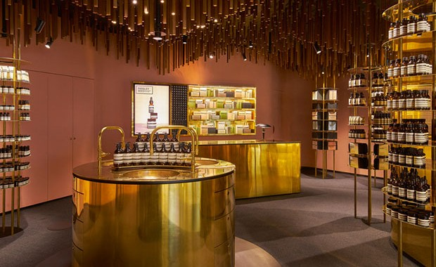 revista-magazine-window-dessing-escaparates-visual-merchandising-retail-design-aesop-snøhetta003