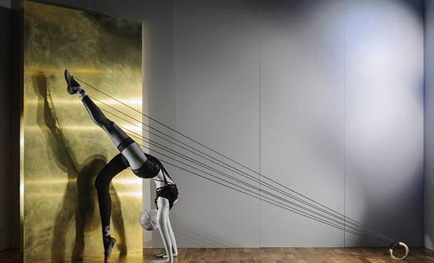 revista-magazine-window-display-escaparates-visual-merchandising-retail-design-selfridges-maniquíes-001