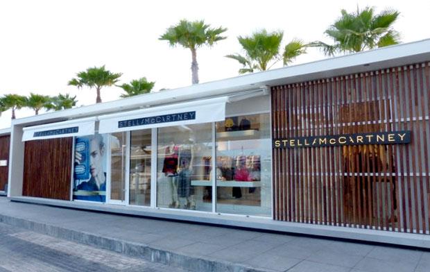 revista-magazine-window-display-escaparates-visual-merchandising-retail-design-stella-mccartney-001