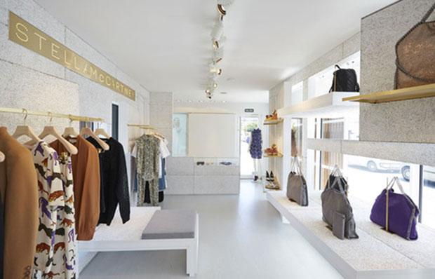 revista-magazine-window-display-escaparates-visual-merchandising-retail-design-stella-mccartney-003