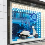 revista-magazine-window-display-escaparates-visual-merchandising-retail-design-vespa-colette002