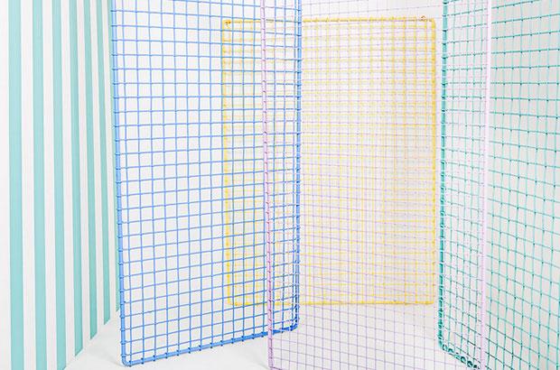 evista-magazine-window-display-escaparates-visual-merchandising-retail-design-k-o-n-t-o-studio-montage3-003