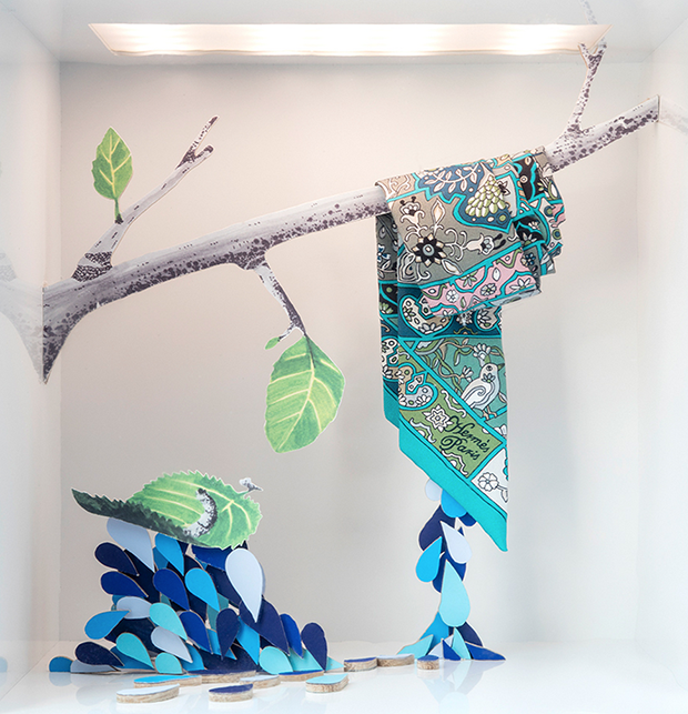 revista-magazine-window-display-escaparates-visual-merchandising-retail-design-isabelle-daeron-hermes-006
