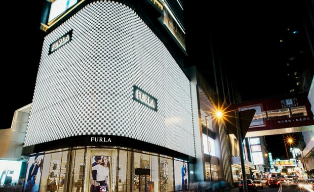 revista-magazine-escaparates-retail-design-peta-pop-up-store-furla-hong-kong-escaparate-vishopmag-001