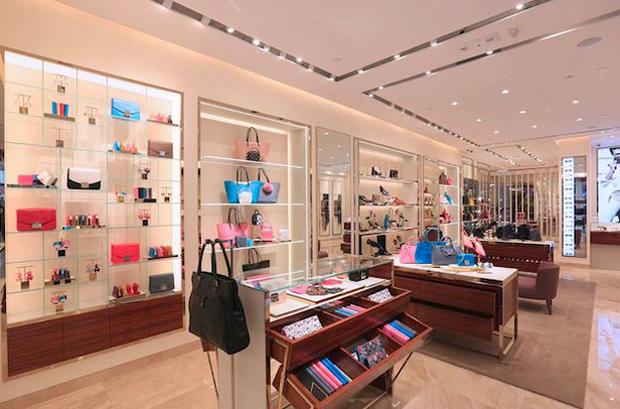 revista-magazine-escaparates-retail-design-peta-pop-up-store-furla-hong-kong-escaparate-vishopmag-002