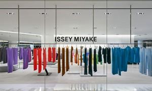revista-magazine-retail-desing-escaparatismo-diseno-issey-miyake-flashipstore-bangkok-vishopmag-001